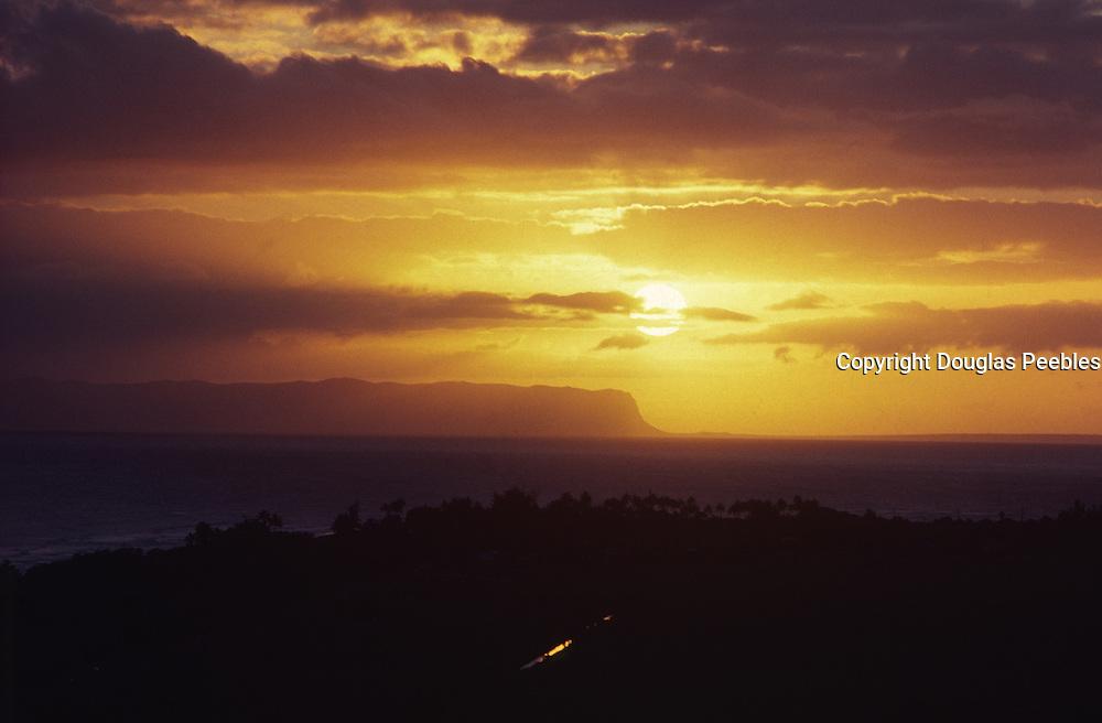 Sunset over Niihau, Kauai, Hawaii<br />
