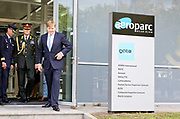 Koning Willem-Alexander brengt een werkbezoek aan het Defensie Helikopter Commando in Gilze-Rijen.<br /> <br /> King Willem-Alexander brings a work visit to the Defense Helicopter Command in Gilze-Rijen.