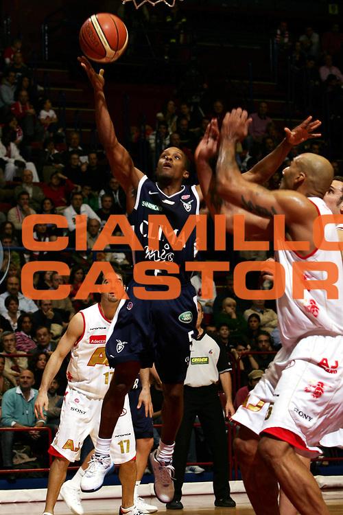 DESCRIZIONE : Milano Lega A1 2006-07 Armani Jeans Milano Climamio Fortitudo Bologna<br /> GIOCATORE : Edney<br /> SQUADRA : Climamio Fortitudo Bologna<br /> EVENTO : Campionato Lega A1 2006-2007<br /> GARA : Armani Jeans Milano Climamio Fortitudo Bologna<br /> DATA : 12/11/2006<br /> CATEGORIA : Tiro<br /> SPORT : Pallacanestro<br /> AUTORE : Agenzia Ciamillo-Castoria/L.Lussoso<br /> Galleria : Lega Basket A1 2006-2007<br /> Fotonotizia : Milano Campionato Italiano Lega A1 2006-2007 Armani Jeans Milano Climamio Fortitudo Bologna<br /> Predefinita :