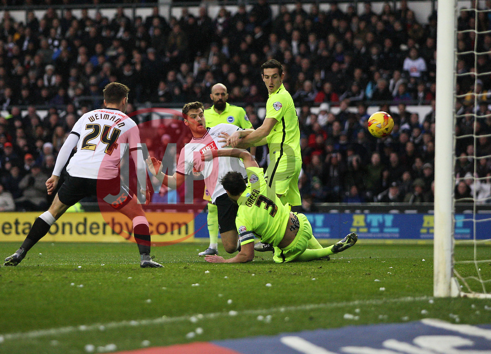 Chris Martin of Derby County misses a goal scoring opportunity - Mandatory byline: Jack Phillips / JMP - 07966386802 - 12/12/2015 - FOOTBALL - The iPro Stadium - Derby, Derbyshire - Derby County v Brighton & Hove Albion - Sky Bet Championship