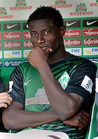 FUSSBALL   1. BUNDESLIGA   SAISON 2012/2013   2. Spieltag SV Werder Bremen - Hamburger SV                     01.09.2012         Joseph Akpala (SV Werder Bremen) sitzt zu Beginn der Partie auf der Ersatzbank