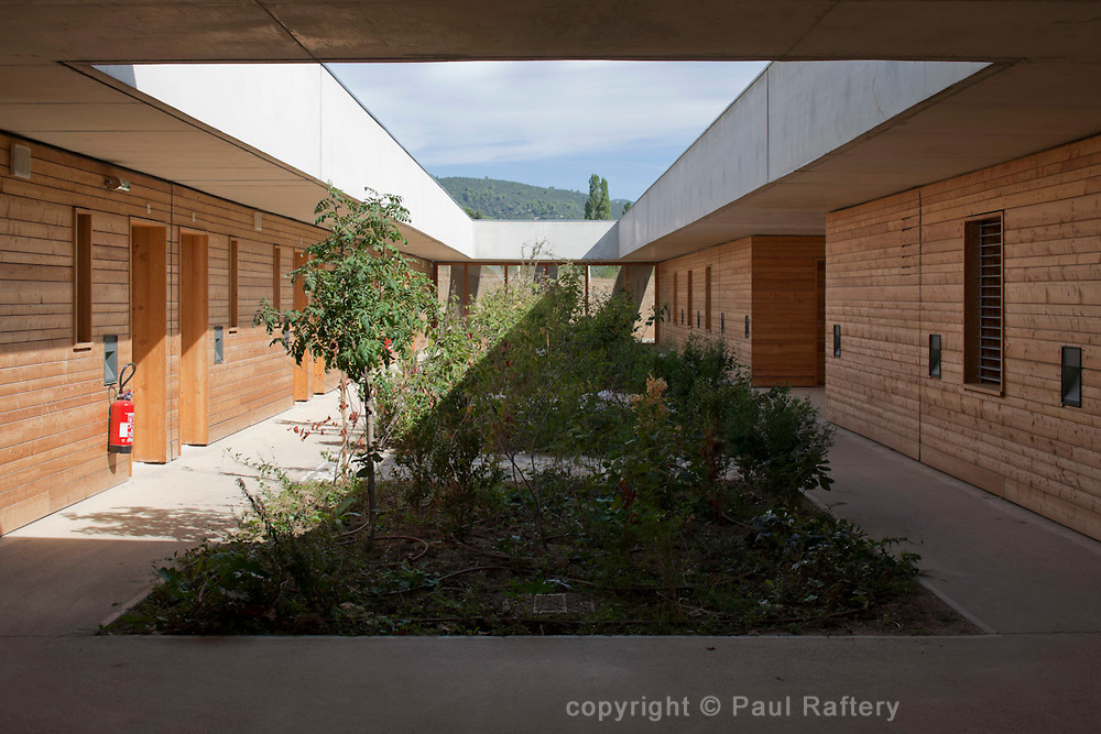 Ecole Internatiomale ITER, Manosque, France. Architect Rudy Ricciotti