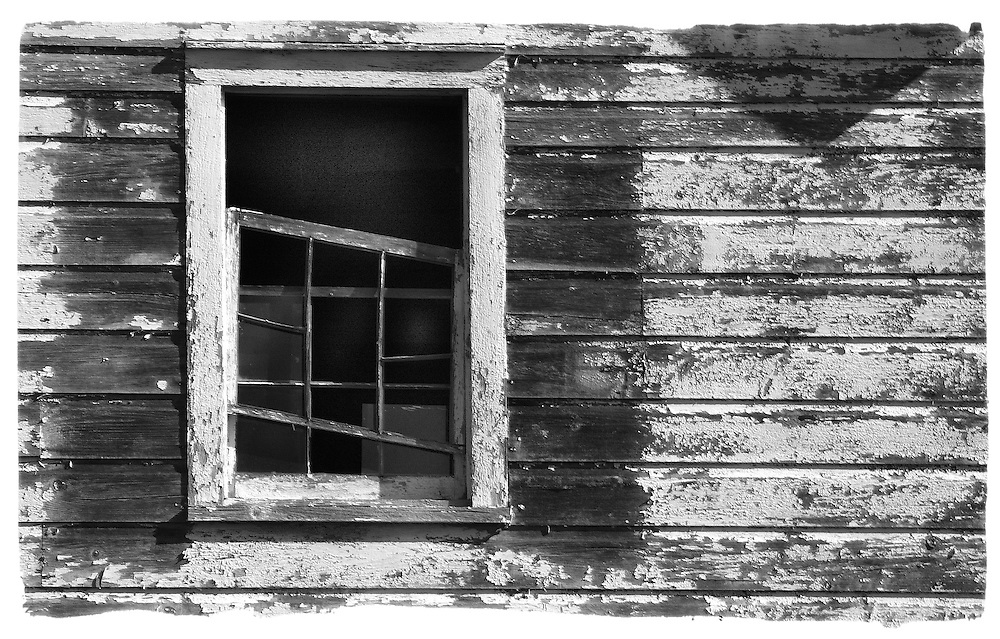 Abandoned barn, Delaware Water Gap. Nikon D70, Lens: VR 70-200mm F/2.8 G, Focal Length: 155mm, Aperture Priority, Metering Mode: Spot, 1/50 sec - F/22, Exposure Comp.: 0 EV, ISO 200, White Balance: Auto, AF Mode: AF-S, Long Exposure NR: Off, 2005/10/19 10:06AM