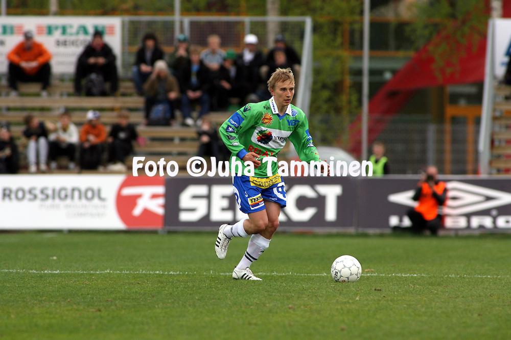 08.05.2008, Tapiolan Urheilupuisto, Espoo, Finland..Veikkausliiga 2008 - Finnish League 2008.FC Honka - Rovaniemen Palloseura.Antti Uimaniemi - RoPS.©Juha Tamminen.....ARK:k