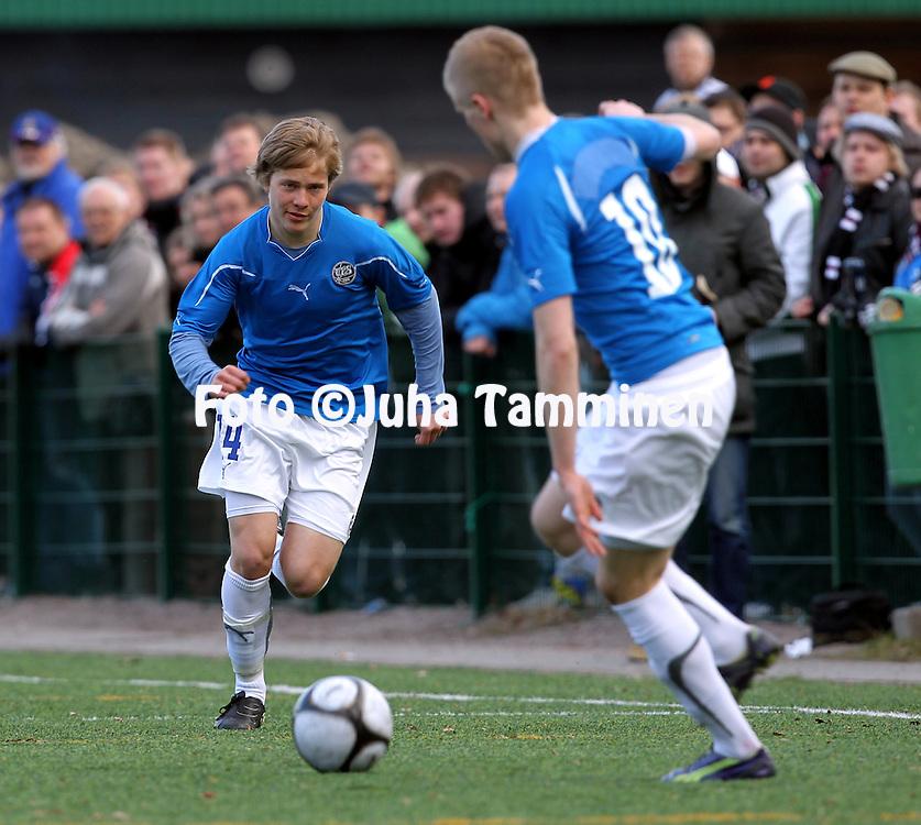 21.4.2011, Kisapuiston tekonurmi, Lahti..Suomen Cup 2011, 7.kierros, FC Lahti - FC TPS Turku..Jere Uronen - TPS.©Juha Tamminen.