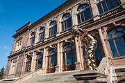 Bronze Skulptur Großer Geist von Thomas Schütte, Neues Museum, Weimar, Thüringen, Deutschland | bronze sculpture Grosser Geist,  New Museum, Weimar, Thuringia, Germany