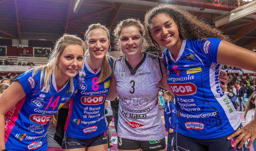 27-11-2016 ITA: Gorgonzola Igor Volley Novara - Nordmeccanica Modena, Novara<br /> Nova wint in drie sets van Modena / Laura Dijkema #14, Judith Pietersen #8, Yvon Belien #3, Celeste Plak #4