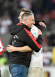 30.12.2015, Mercedes Benz Arena, Stuttgart, GER, 1. FBL, VfB Stuttgart vs Hamburger SV, 19. Runde, im Bild Schlussjubel Jubel nach Spielende Trainer Coach Juergen Kramny VfB Stuttgart mit Christian Gentner VfB Stuttgart // during the German Bundesliga 19th round match between VfB Stuttgart and Hamburger SV at the Mercedes Benz Arena in Stuttgart, Germany on 2015/12/30. EXPA Pictures © 2016, PhotoCredit: EXPA/ Eibner-Pressefoto/ Weber<br /> <br /> *****ATTENTION - OUT of GER*****