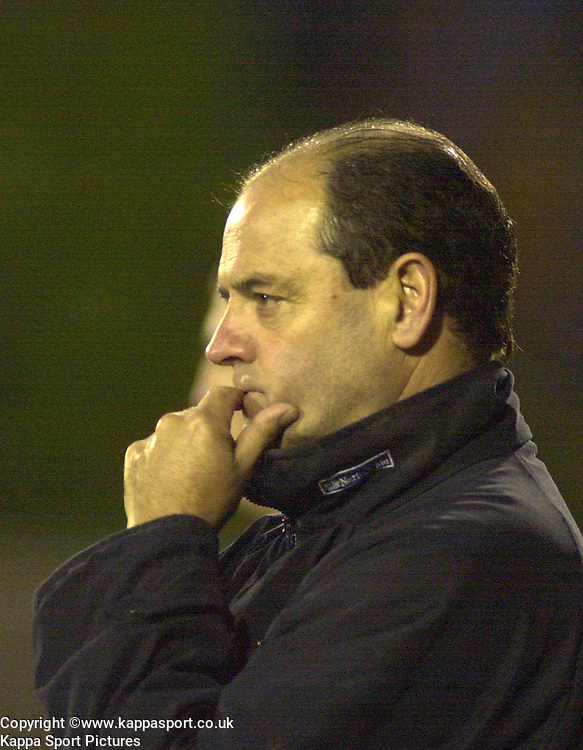 PETER MORRIS, MANAGER, KETTERING TOWN, Kettering Town v Northwich Victoria, Rockingham Road, 11th November 2000