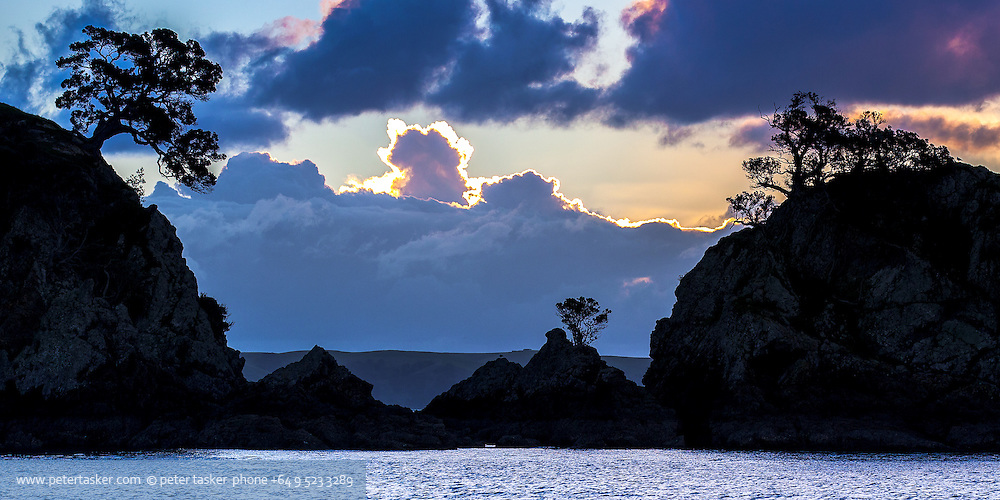 Sunset at Oneroa Bay entrance, Waiheke Island, Hauraki Gulf, New Zealand.