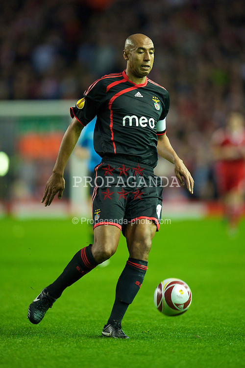 LIVERPOOL, ENGLAND - Thursday, April 8, 2010: Sport Lisboa e Benfica's Luisao in action against Liverpool during the UEFA Europa League Quarter-Final 2nd Leg match at Anfield. (Photo by: David Rawcliffe/Propaganda)