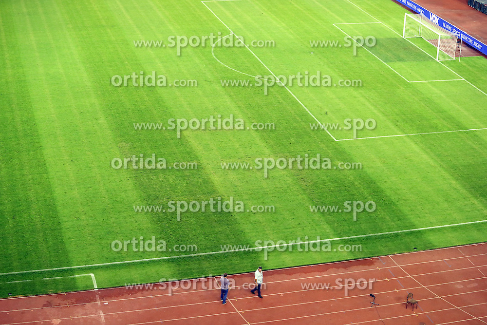 12.06.2015, Stadion Poljud, Split, CRO, UEFA Euro 2016 Qualifikation, Kroatien vs Italien, Gruppe H, im Bild The sign of the Third Reich swastika was drawn on the grass in the Poljud stadium // during the UEFA EURO 2016 qualifier group H match between Croatia and and Italy at the Stadion Poljud in Split, Croatia on 2015/06/12. EXPA Pictures &copy; 2015, PhotoCredit: EXPA/ Pixsell/ Ivo Cagalj<br /> <br /> *****ATTENTION - for AUT, SLO, SUI, SWE, ITA, FRA only*****