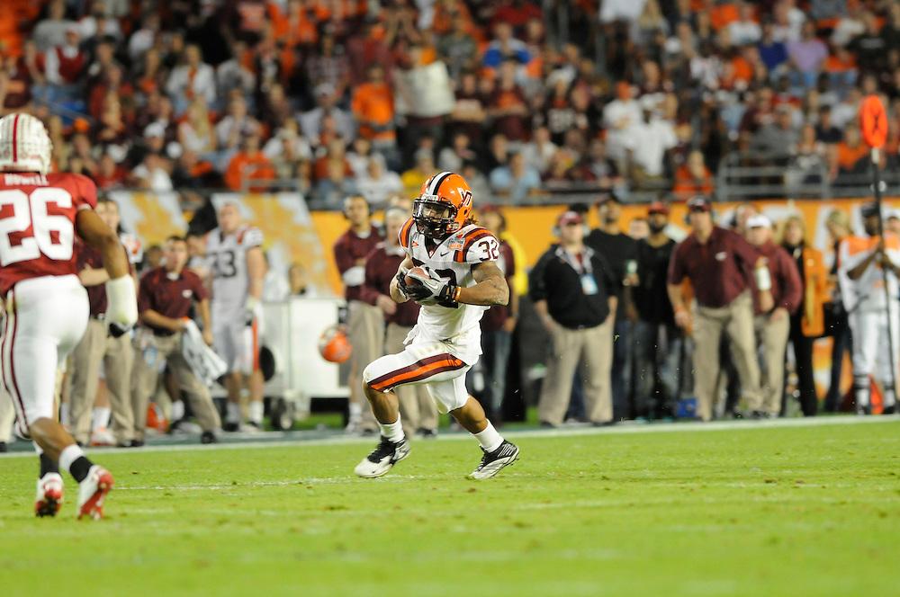 January 3, 2011: Stanford Cardinal vs Virginia Tech Hokies at the 2011 Orange Bowl in Miami Gardens, Florida. Stanford defeated Virginia Tech 40-12.