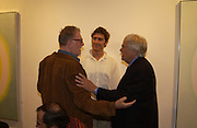 John Hoyland, Marcel Theroux and Kenneth Noland. Kenneth Nolan private view at Bernard Jacobson Gallery. London. 4 October 2001. © Copyright Photograph by Dafydd Jones 66 Stockwell Park Rd. London SW9 0DA Tel 020 7733 0108 www.dafjones.com