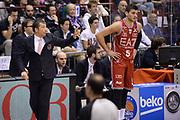 DESCRIZIONE : Milano Lega A 2014-2015 EA7 Emporio Armani Milano vs Umana Venezia<br /> GIOCATORE : Banchi Luca Gentile Alessandro<br /> CATEGORIA : Allenatore Coach Mani <br /> SQUADRA : EA7 Milano<br /> EVENTO : Campionato Lega A 2014-2015 GARA : EA7 Emporio Armani Milano vs Umana Venezia<br /> DATA : 26/10/2014 <br /> SPORT : Pallacanestro <br /> AUTORE : Agenzia Ciamillo-Castoria/M.Longo<br /> GALLERIA : Lega Basket A 2014-2015 FOTONOTIZIA : MilanoLega A 2014-2015 EA7 Emporio Armani Milano vs Umana Venezia<br /> PREDEFINITA :