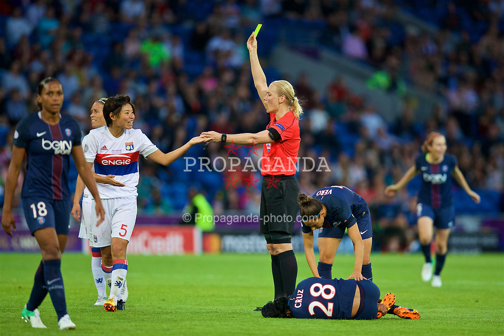 CARDIFF, WALES - Thursday, June 1, 2017: Olympique Lyonnais' Saki Kumagai is shown a yellow card by referee Bibiana Steinhaus during the UEFA Women's Champions League Final between Olympique Lyonnais and Paris Saint-Germain FC at the Cardiff City Stadium. (Pic by David Rawcliffe/Propaganda)