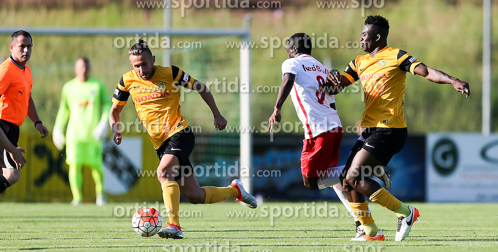 01.07.2016, Sportarena, Strasswalchen, AUT, Testspiel, FC Red Bull Salzburg vs BSC Young Boys, im Bild v.l. Miralem Sulejmani (BSC Young Boys Bern), Diadie Samassekou (FC Red Bull Salzburg), Sekou Sanogo (BSC Young Boys Bern) // during a friendly football match between FC Red Bull Salzburg and BSC Young Boys at the Sportarena in Strasswalchen, Austria on 2016/07/01. EXPA Pictures © 2016, PhotoCredit: EXPA/ Roland Hackl