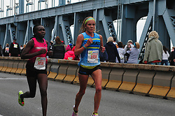 The leaders in the female race close in on the three mile marker. (Bastiaan Slabbers/for PhillyVoice)