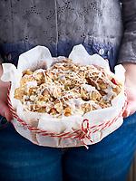 Motiv: Plommonbak<br /> Recept: Katarina Carlgren<br /> Fotograf: Thomas Carlgren<br /> Användningsrätt: Publ en gång<br /> Annan publicering kontakta fotografen