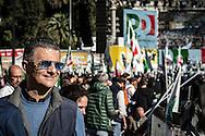 Emiliano Albensi<br /> 29/10/2016 Roma (Italia)<br /> Manifestazione PD Basta un S&igrave;<br /> Nella foto: Vito De Filippo, sottosegretario del Ministero della Salute, in piazza del Popolo<br /> <br /> Emiliano Albensi<br /> 29/10/2016 Rome (Italy)<br /> Democratic Party demonstration in support of the Constitutional Reform referendum<br /> In the picture: Vito De Filippo, Undersecretary for the Minister of Health