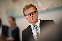 DEU, Deutschland, Germany, Berlin, 27.09.2017: Der heute zum Parlamentarischen Geschäftsführer der SPD-Bundestagsfraktion gewählte Carsten Schneider vor der Fraktionssitzung der SPD im Deutschen Bundestag.