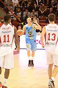 DESCRIZIONE : Pistoia campionato serie A 2013/14 Giorgio Tesi Group Pistoia Vanoli Cremona <br /> GIOCATORE : Ben Woodside<br /> CATEGORIA : palleggio schema<br /> SQUADRA : Vanoli Cremona<br /> EVENTO : Campionato serie A 2013/14<br /> GARA : Giorgio Tesi Group Pistoia Vanoli Cremona <br /> DATA : 10/11/2013<br /> SPORT : Pallacanestro <br /> AUTORE : Agenzia Ciamillo-Castoria/GiulioCiamillo<br /> Galleria : Lega Basket A 2013-2014  <br /> Fotonotizia : Pistoia campionato serie A 2013/14 Giorgio Tesi Group Pistoia Vanoli Cremona<br /> Predefinita :