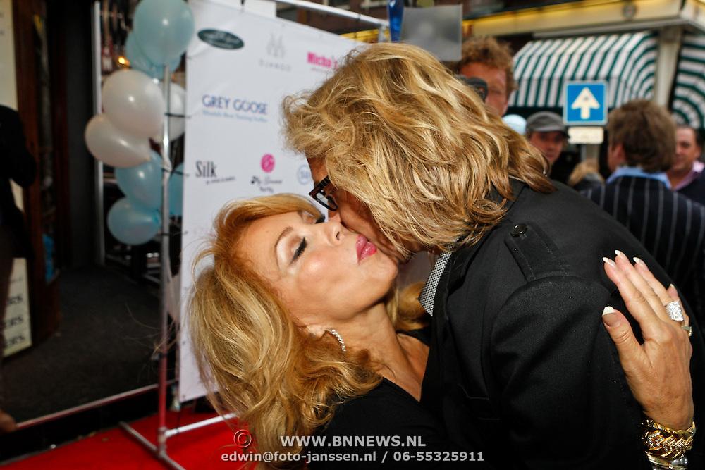 NLD/Amsterdam/20100913 - Verjaardagsfeestje Modemeisjes met een missie, Patricia Paay en ex partner Adam Curry