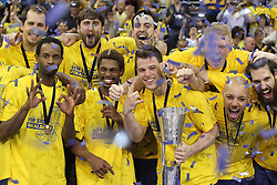 12.04.2015, Brose Arena, Bamberg, GER, Beko Basketball BL, Brose Baskets Bamberg vs EWE Baskets Oldenburg, Top Four 2015, Finale, im Bild Julius Jenkins ( EWE Baskets Oldenburg ) Casper Ware ( EWE Baskets Oldenburg ) Chris Kramer ( EWE Baskets Oldenburg ) rechts Maurice Stuckey ( EWE Baskets Oldenburg ) // during the Beko Basketball Bundes league TOP FOUR 2015 final match between Brose Baskets Bamberg and EWE Baskets Oldenburg at the Brose Arena in Bamberg, Germany on 2015/04/12. EXPA Pictures © 2015, PhotoCredit: EXPA/ Eibner-Pressefoto/ Langer<br /> <br /> *****ATTENTION - OUT of GER*****