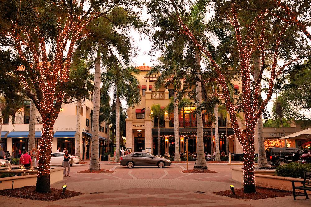 5th Avenue Shopping area, Historic Downtown Naples, Florida, USA