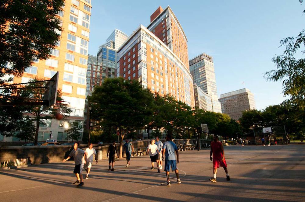 Hudson RIver Park, Playing Basketball, Battery Park CIty, Manhattan, New York City, New York, USA