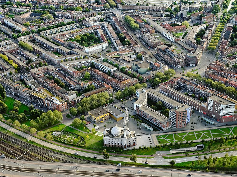 Nederland, Zuid-Holland, Rotterdam, 14-09-2019; Stadsgezicht Rotterdam-Zuid. Zicht op stadsdeel Feijenoord, Essalam Moskee in de voorgrond.<br /> Cityscape Rotterdam-South. District Feijenoord.<br /> <br /> luchtfoto (toeslag op standard tarieven);<br /> aerial photo (additional fee required);<br /> copyright foto/photo Siebe Swart