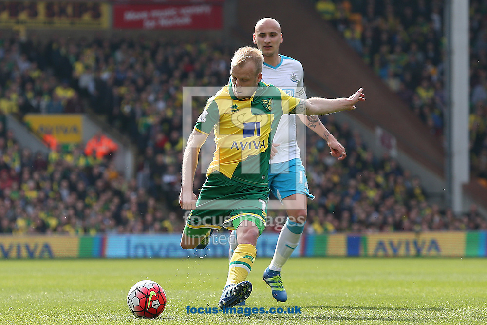 Steven Naismith of Norwich has a shot on goal during the Barclays Premier League match at Carrow Road, Norwich<br /> Picture by Paul Chesterton/Focus Images Ltd +44 7904 640267<br /> 02/04/2016