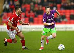 Ryan Kent of Bristol City takes on Gary Gardner of Barnsley - Mandatory by-line: Robbie Stephenson/JMP - 30/03/2018 - FOOTBALL - Oakwell Stadium - Barnsley, England - Barnsley v Bristol City - Sky Bet Championship