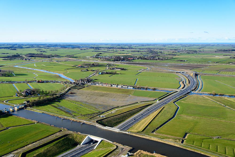 Nederland, Friesland, Leeuwarden, 28-02-2016; Aquaduct Langdeel, A31 (de Waldwei), ten zuiden van Leeuwarden bij de wijk Zuiderburen. <br /> Aqueduct, south of Leeuwarden.<br /> luchtfoto (toeslag op standard tarieven);<br /> aerial photo (additional fee required);<br /> copyright foto/photo Siebe Swart