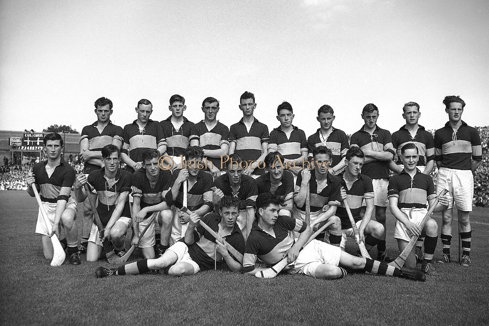 Neg No:.292/4176-4189...1953AIMHCF...06.09.1953, 09.06.1953, 6th September 1953.All Ireland Minor Hurling Championship - Final...Tipperary.8-6.Dublin.3-6...Tipperary. (Winners).T. McCormack, M. Cleary, T. Kelly, P. Barry, L. Quinn, R. Reidy, S. Kenny, W. Quinn (Captain), M. Kennedy, L. Devaney, J. Murphy, S. McLoughlin, S. Corcoran, M. Stapleton, L. Connolly.Sub: R. Ryan for R. Reidy.W. Quinn (Captain). ..