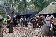 Setbezoek in Eindhoven van de film Redbad, een historische film over de Friese koning Radboud geregiseerd door Roel Rein&eacute;.<br /> <br /> Op de foto:  De Filmset
