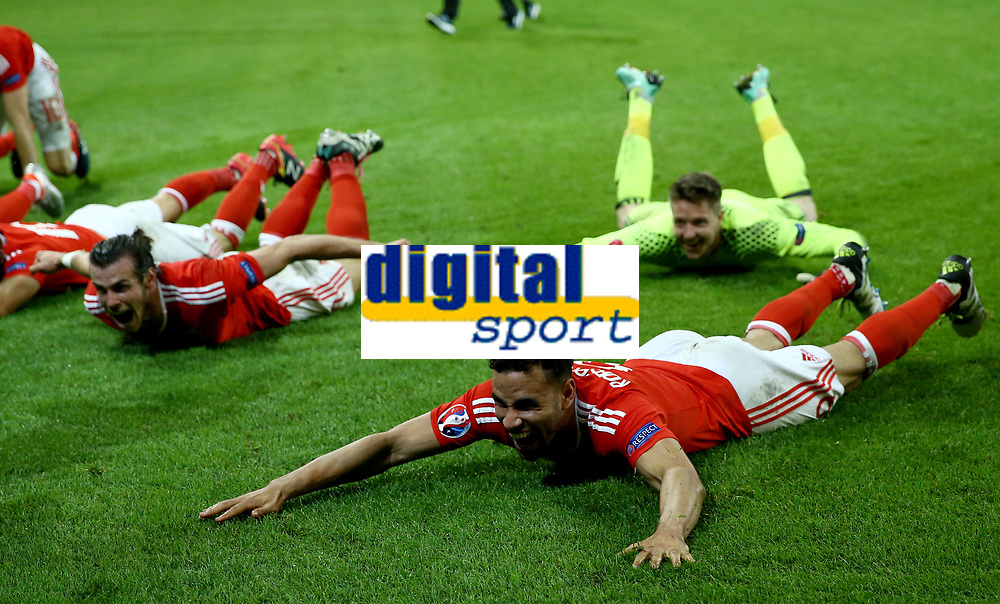 Gareth Bale and Hal Robson-Kanu (Wales) celebrating the victory. esultanza vittoria<br /> Lille 01-07-2016 Stade Pierre Mauroy Football Euro2016 Wales - Belgium / Galles - Belgio <br /> Quarter-finals. Foto Matteo Ciambelli / Insidefoto
