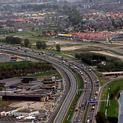 NLD/Rotterdam/20070423 - Rondvlucht boven Rotterdamse in een helicopter, snelweg