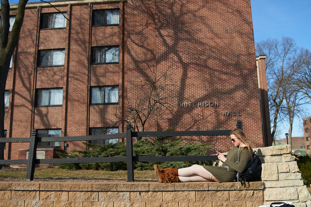 Spring Break; Activity; Relaxing; Socializing; Location; Outside; People; Student Students; Type of Photography; Candid; UWL UW-L UW-La Crosse University of Wisconsin-La Crosse; Time/Weather; day; sunny; Spring; March