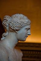 Statue of Venus de Milo in profile, Louvre Gallery