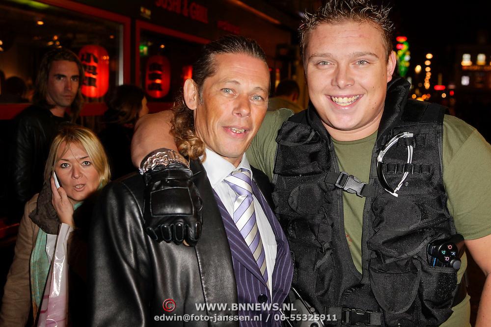 NLD/Amsterdam/20111107- Lancering Call of Duty MW3, Buurman Dennis en Sterretje, Tony Wyczynski, dj Tony Star