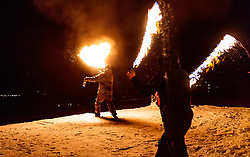 05.02.2018, Lechnerberg, Kaprun, AUT, Nacht der Ballone, im Bild Feuershow // fire show during the International Balloonalps Week, Lechnerberg, Kaprun, Austria on 2018/02/05. EXPA Pictures © 2018, PhotoCredit: EXPA/ JFK