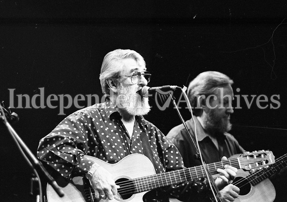 The Dubliners in Concert in the Olympia Theatre, Ronnie Drew and Sean Cannon, Dublin, circa August 1992 (Part of the Independent Newspapers Ireland/NLI Collection).