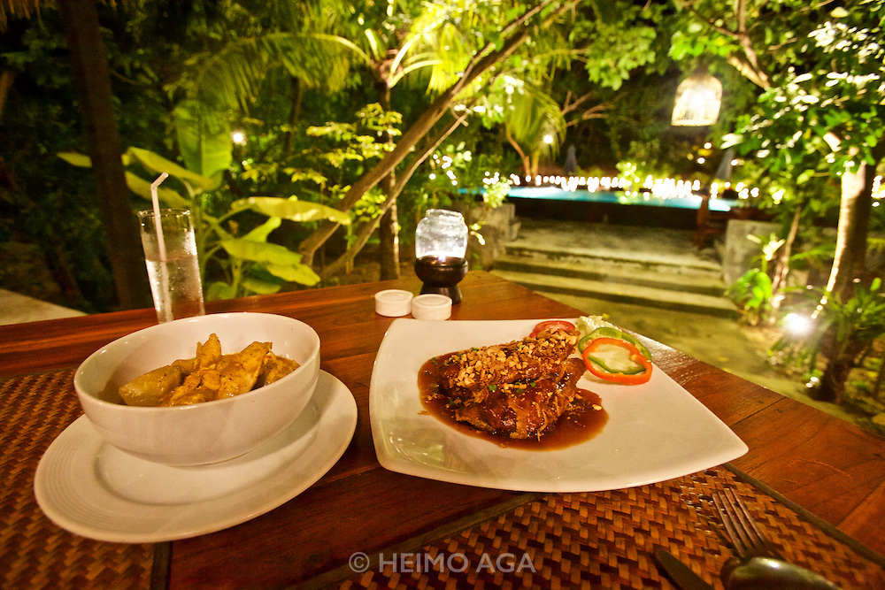 Thailand, Ko Kradan. The Sevenseas Resort. The restaurant.