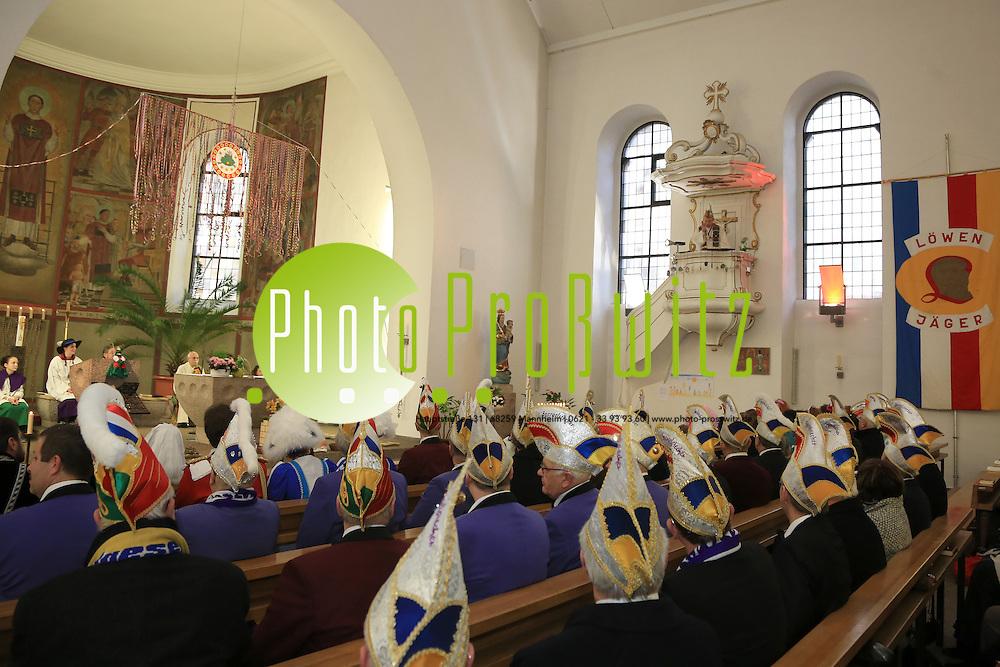Mannheim. 16.02.14  K&auml;fertal. St. Laurentius. Narrengottesdienst<br /> Bild: Markus Pro&szlig;witz 16FEB14 / masterpress / images4.de