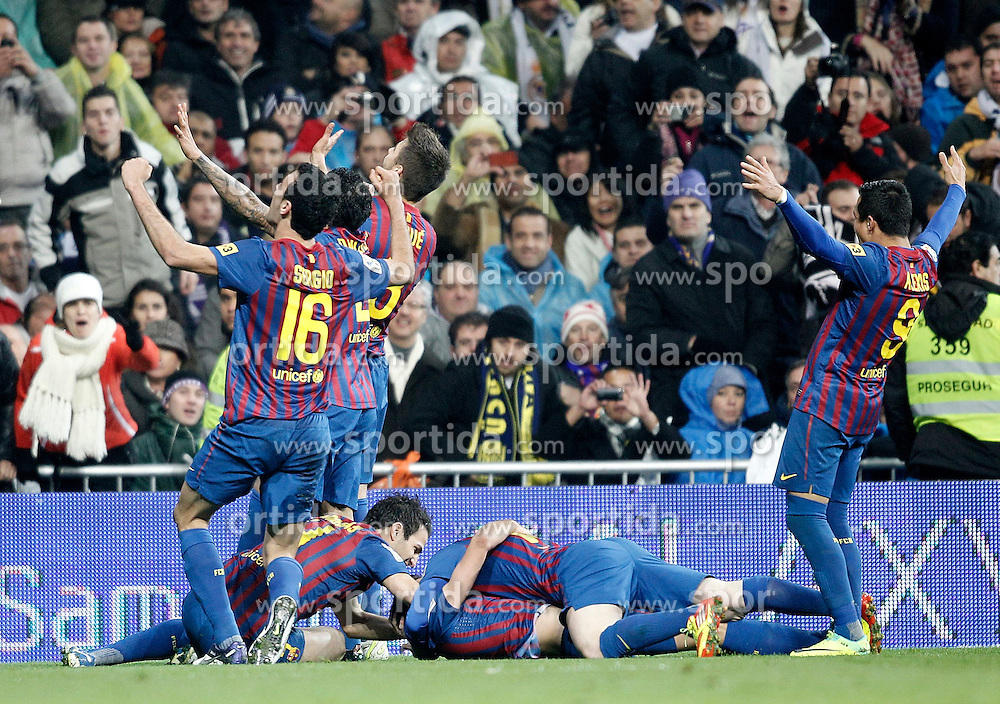 10.12.2011, Santiago Bernabeu Stadion, Madrid, ESP, Primera Division, Real Madrid vs FC Barcelona, 15. Spieltag, im Bild Barcelona's Xavi Hernandez celebrates with Cesc Fabregas, Sergio Busquets, Alexis Sanchez // during the football match of spanish 'primera divison' league, 15th round, between Real Madrid and FC Barcelona at Santiago Bernabeu stadium, Madrid, Spain on 2011/12/10. EXPA Pictures © 2011, PhotoCredit: EXPA/ Alterphotos/ Alvaro Hernandez..***** ATTENTION - OUT OF ESP and SUI *****