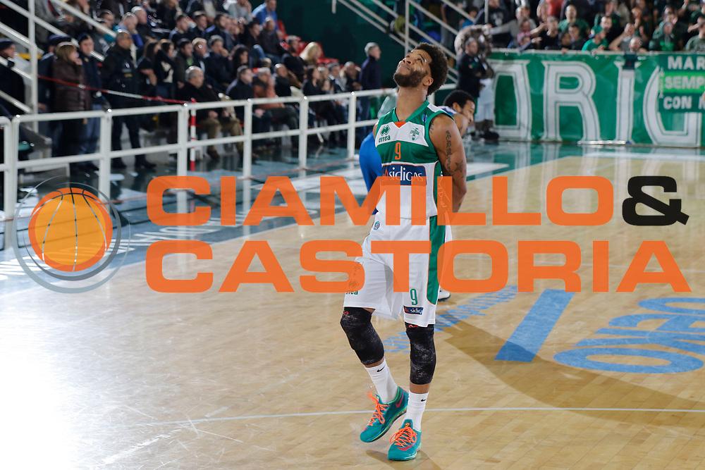 DESCRIZIONE : Avellino Lega A 2014-15 Sidigas Avellino Acqua Vitasnella Cantu<br /> GIOCATORE : Adrian Banks<br /> CATEGORIA : delusione<br /> SQUADRA : Sidigas Avellino<br /> EVENTO : Campionato Lega A 2014-2015<br /> GARA : Sidigas Avellino Acqua Vitasnella Cantu<br /> DATA : 01/02/2015<br /> SPORT : Pallacanestro <br /> AUTORE : Agenzia Ciamillo-Castoria/A. De Lise<br /> Galleria : Lega Basket A 2014-2015 <br /> Fotonotizia : Avellino Lega A 2014-15 Sidigas Avellino Acqua Vitasnella Cantu