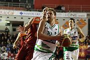 DESCRIZIONE : Roma Lega A 2011-12 Acea Virtus Roma Sidigas Avellino<br /> GIOCATORE : Dimitri Lauwers<br /> CATEGORIA : penetrazione<br /> SQUADRA : Sidigas Avellino<br /> EVENTO : Campionato Lega A 2011-2012<br /> GARA : Acea Virtus Roma Sidigas Avellino<br /> DATA : 18/12/2011<br /> SPORT : Pallacanestro<br /> AUTORE : Agenzia Ciamillo-Castoria/ElioCastoria<br /> Galleria : Lega Basket A 2011-2012<br /> Fotonotizia : Roma Lega A 2011-12 Acea Virtus Roma Sidigas Avellino<br /> Predefinita :
