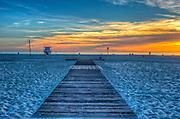Santa Monica beach, healthy lifestyle, Santa Monica CA, Pacific Ocean, Sunset, walkable, pedestrian-friendly Access,