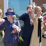 NLD/Veenendaal/20120430 - Koninginnedag 2012 Veenendaal, koninging Beatrix, Willem-Alexander en partner Maxima, Laurenien Brinkhorst en partner Constantijn, Annet Sekreve